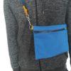 sacoche bleu de travail portée